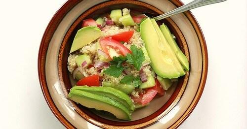 Insalata di Quinoa e Avocado - Ricette Vegetariane