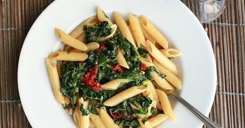 Pennette con Cavolo Nero e Pomodori - Ricette Vegetariane