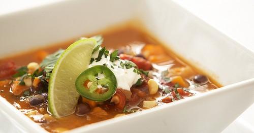 Zuppa di Fagioli Neri e Patate Dolci - Ricette Vegetariane
