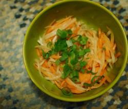 Insalata di carote e ravanelli Daikon